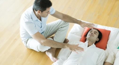 Terapias de toque para el alivio del dolor en adultos